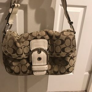 COACH HANDBAG LIKE NEW